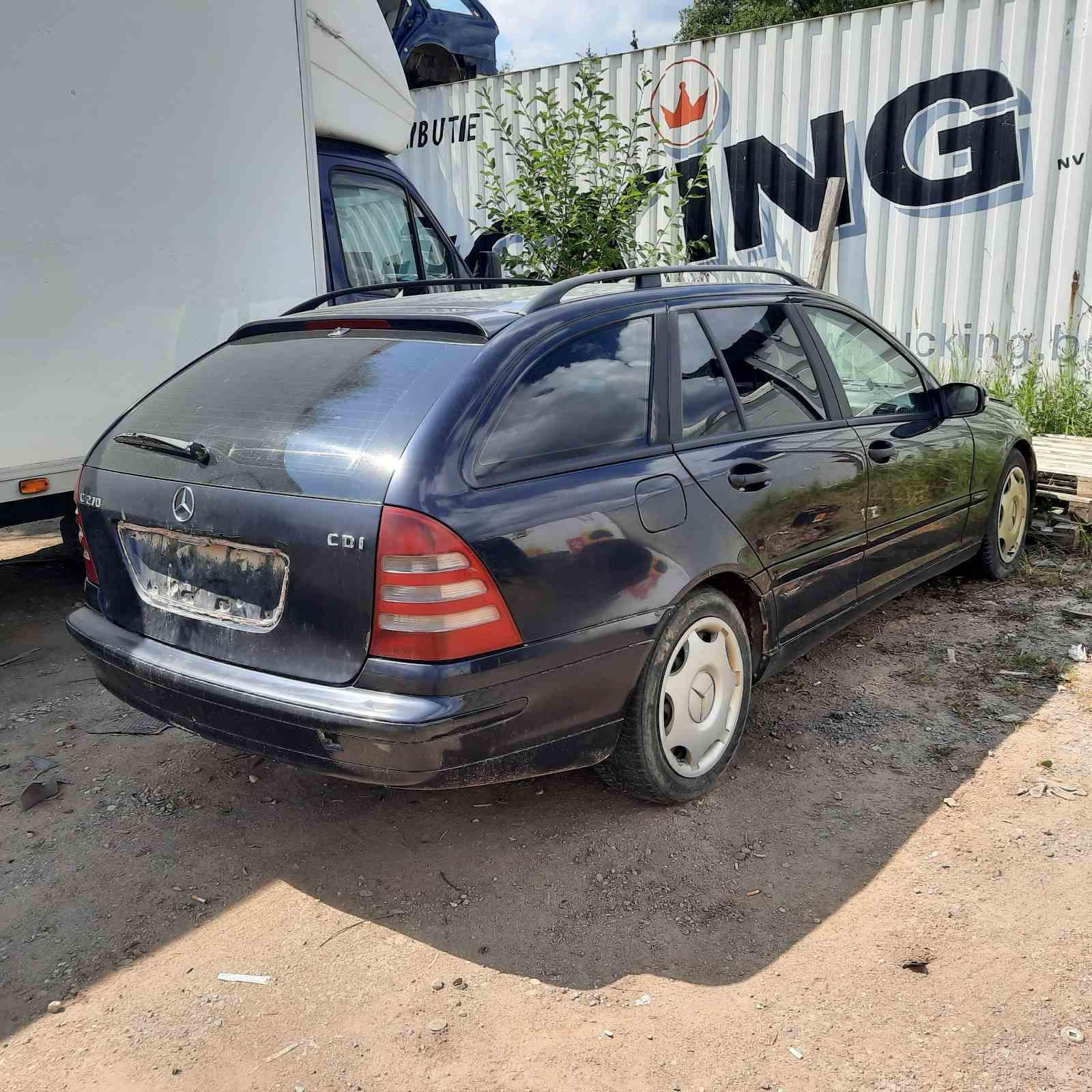 Foto-4 Mercedes-Benz C-CLASS W203, 2000.05 - 2004.02 2002 Diesel 2.7