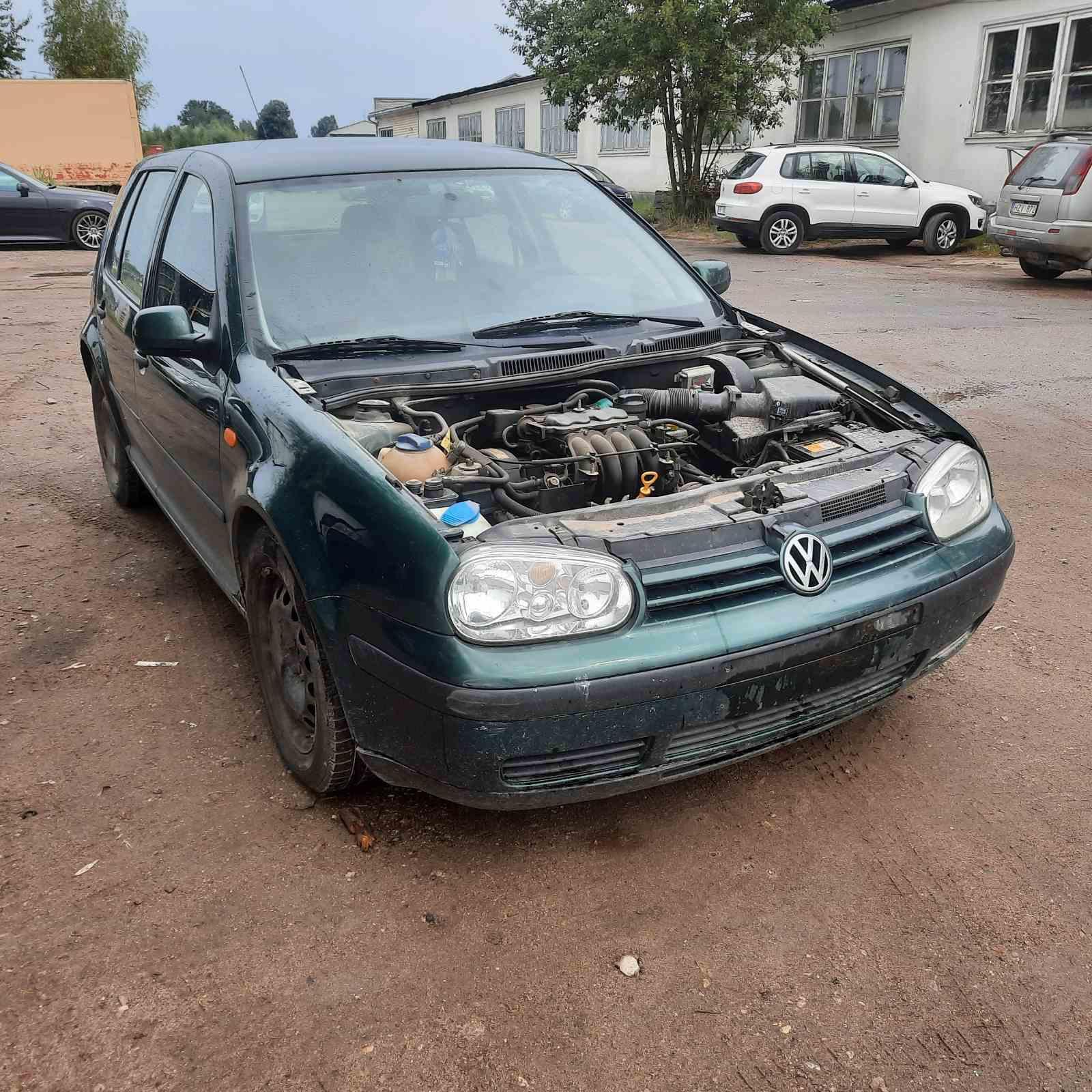 Подержанные Автозапчасти Volkswagen GOLF 1998 1.6 машиностроение хэтчбэк 4/5 d. зеленый 2021-7-27