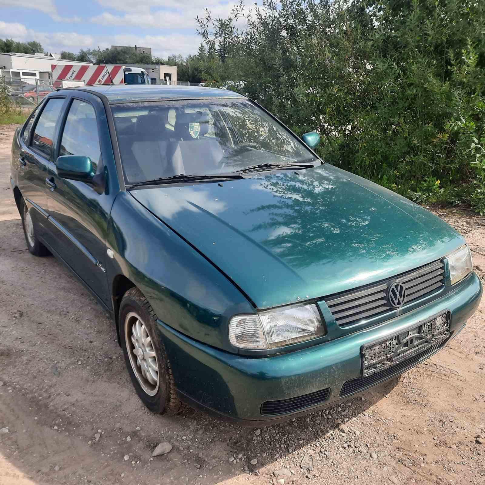 Foto-1 Volkswagen Polo Polo, III 1994.09 - 1999.12 1997 Sedan Diesel 1.9