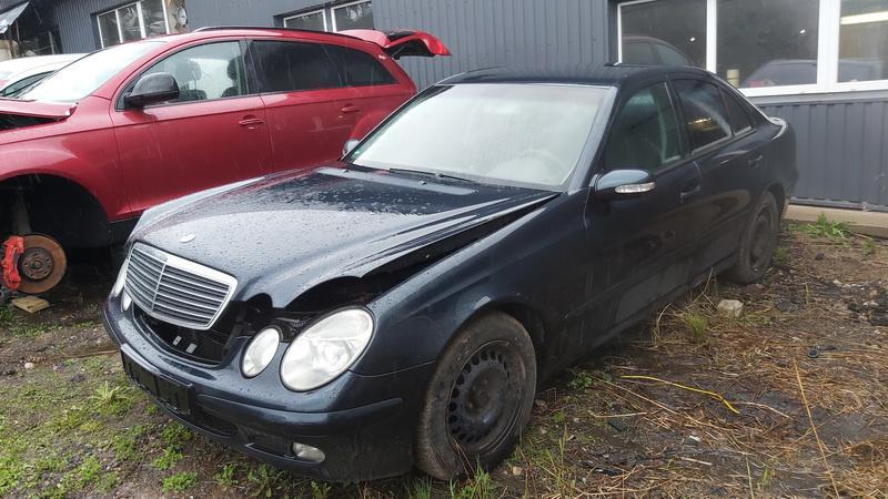 Подержанные Автозапчасти Foto 3 Mercedes-Benz E-CLASS 2002 2.2 машиностроение седан 4/5 d. синий 2021-5-03 A6193