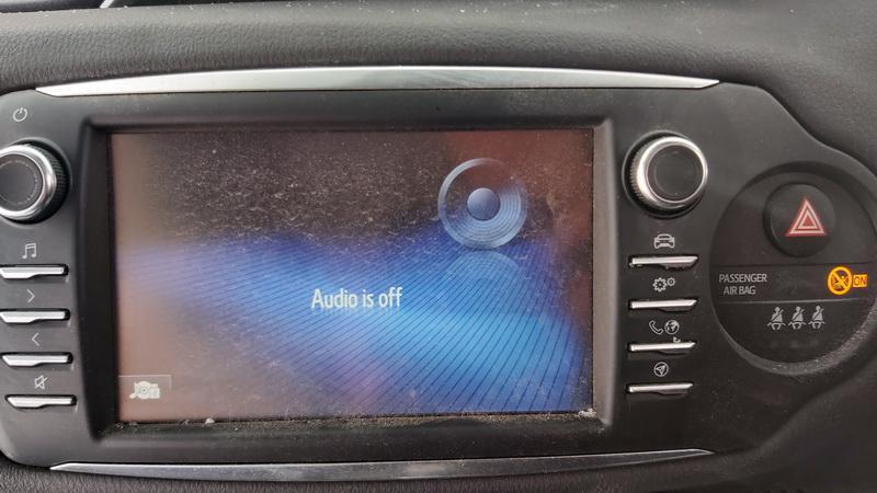 Naudotos automobiliu dallys Foto 8 Toyota YARIS 2018 1.5 Automatinė Hečbekas 4/5 d. Sidabrine 2021-1-20 A6035