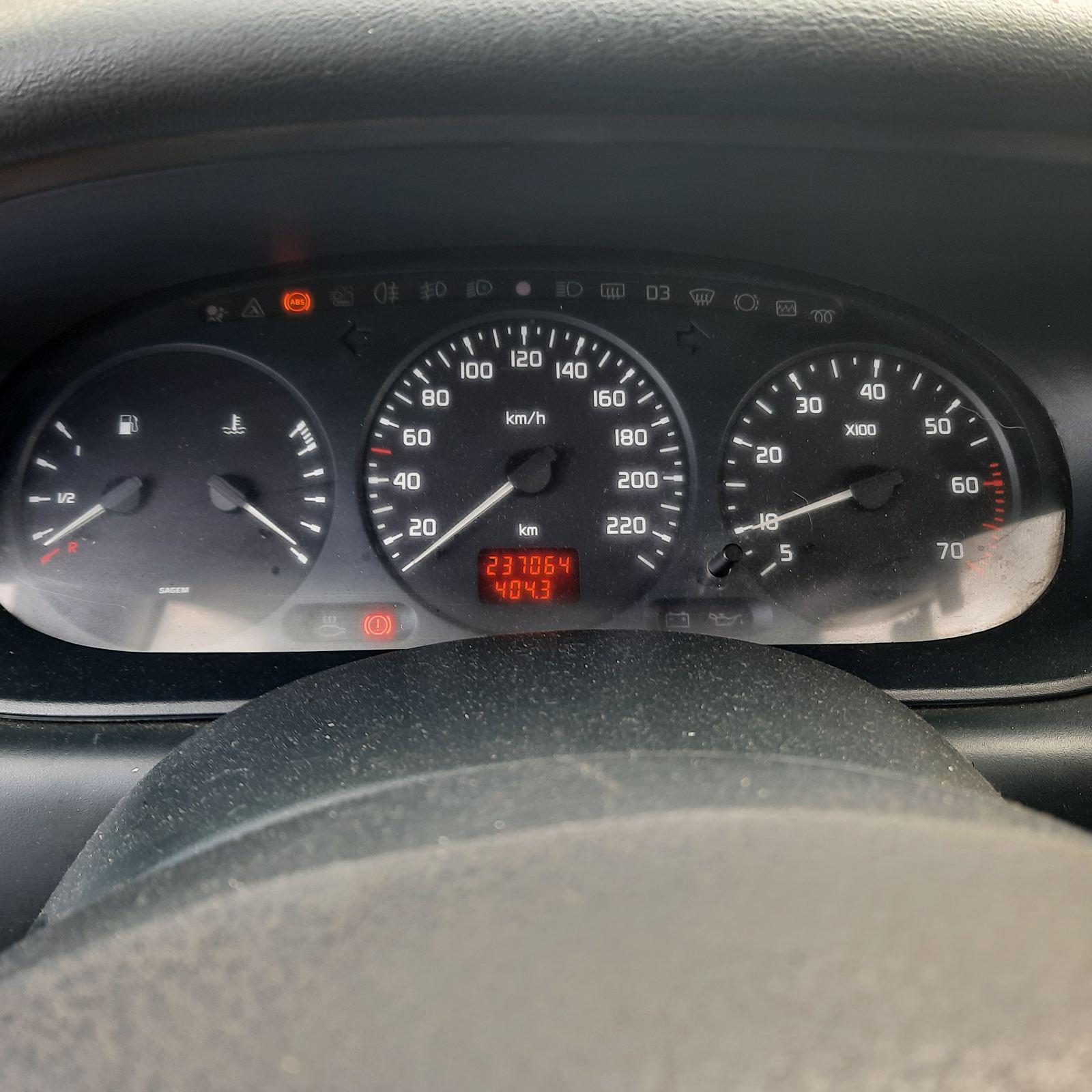 Naudotos automobilio dalys Renault SCENIC 1999 1.6 Mechaninė Vienatūris 4/5 d. Melyna 2021-9-25