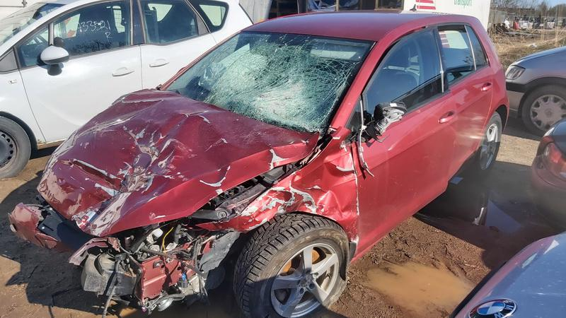 Used Car Parts Foto 2 Volkswagen GOLF 2013 1.2 Automatic Hatchback 4/5 d. Red 2021-5-01 A6191
