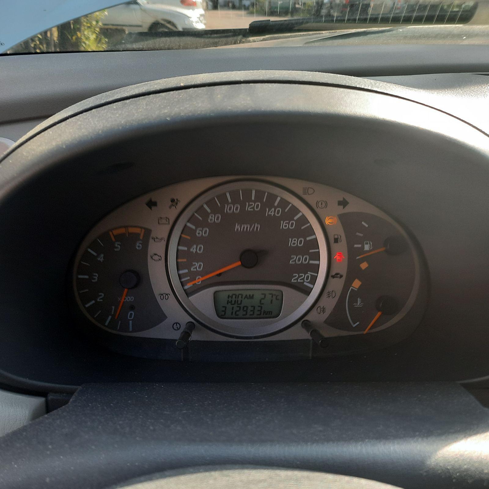 Naudotos automobilio dalys Nissan ALMERA TINO 2002 2.2 Mechaninė Vienatūris 4/5 d. Pilka 2021-8-16