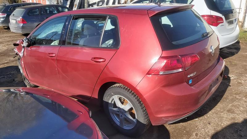 Used Car Parts Foto 7 Volkswagen GOLF 2013 1.2 Automatic Hatchback 4/5 d. Red 2021-5-01 A6191