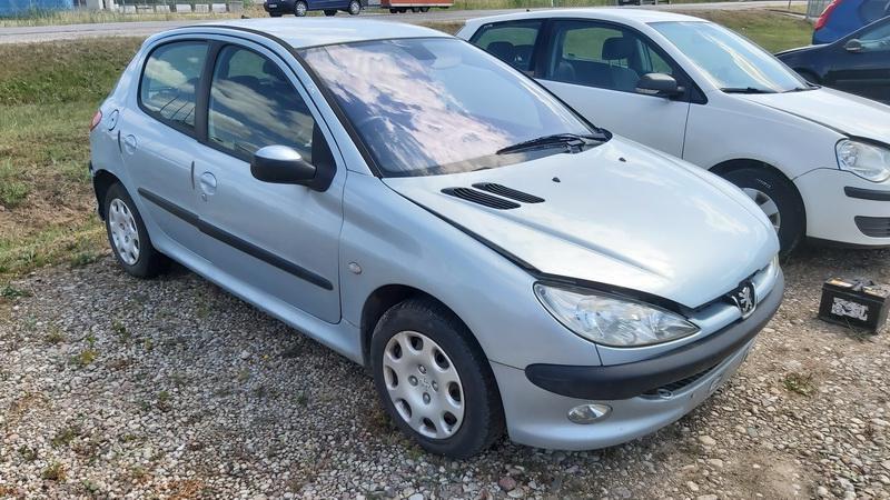 Naudotos automobilio dalys Peugeot 206 2004 1.4 Mechaninė Hečbekas 4/5 d. Melyna 2021-7-22
