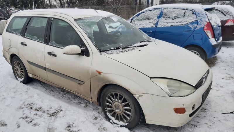 Naudotos automobilio dalys Ford FOCUS 2000 1.8 Mechaninė Universalas 4/5 d. Balta 2020-12-08