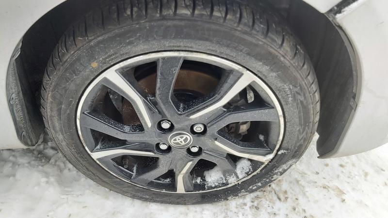 Naudotos automobiliu dallys Foto 9 Toyota YARIS 2018 1.5 Automatinė Hečbekas 4/5 d. Sidabrine 2021-1-20 A6035