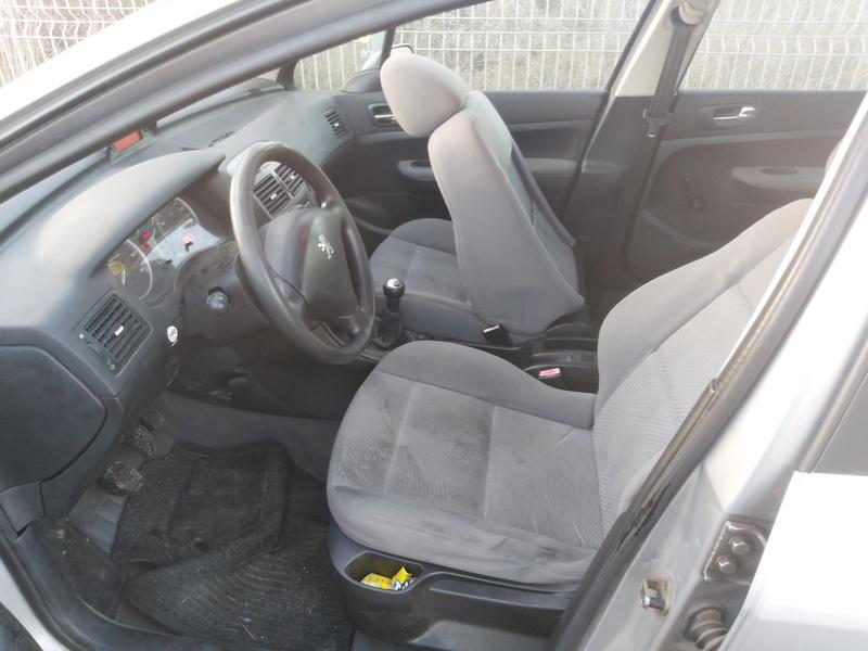 Подержанные Автозапчасти Foto 4 Peugeot 307 2002 2.0 машиностроение универсал 4/5 d. Серый 2020-11-20 A5838
