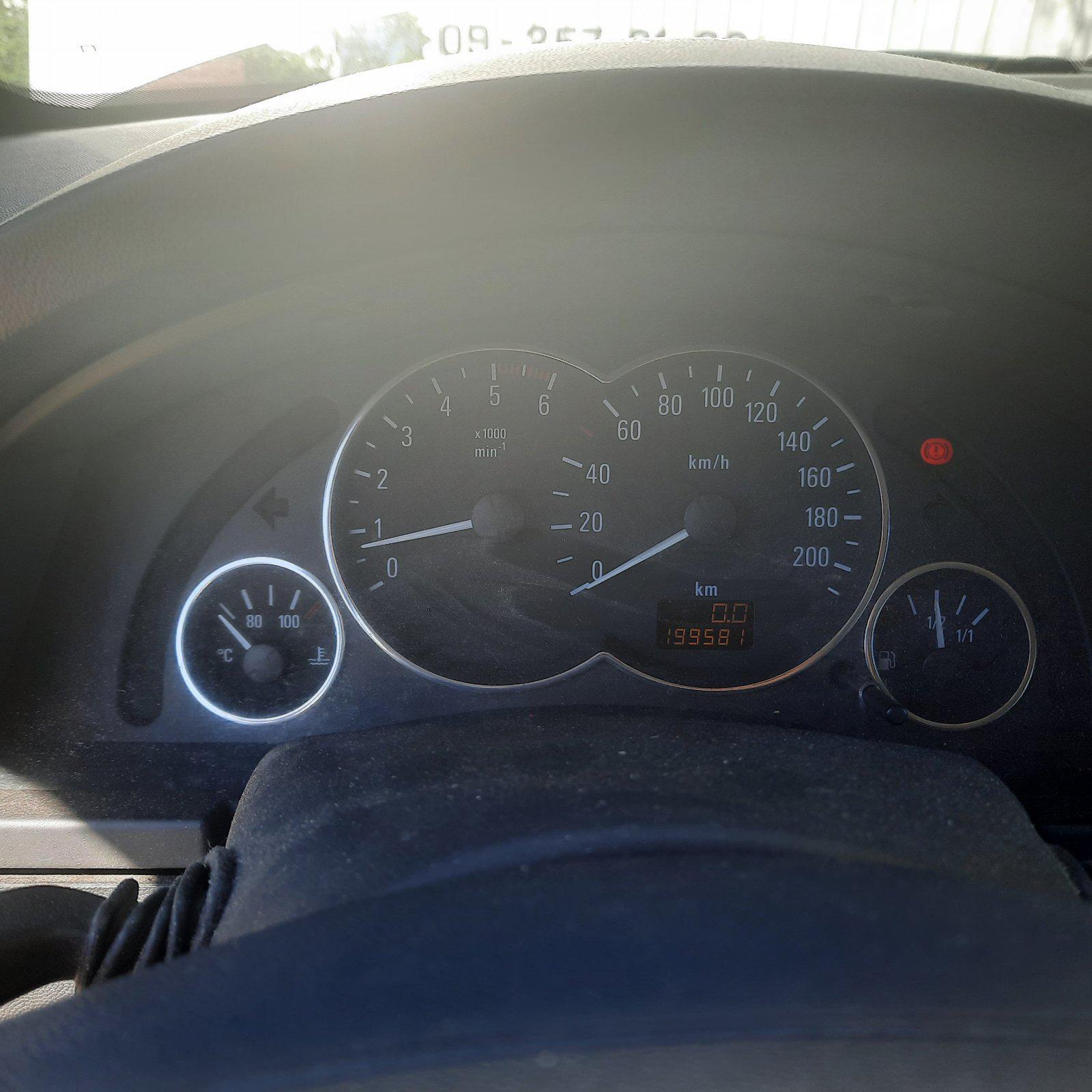Подержанные Автозапчасти Opel MERIVA 2004 1.7 машиностроение минивэн 4/5 d. Серый 2021-6-17