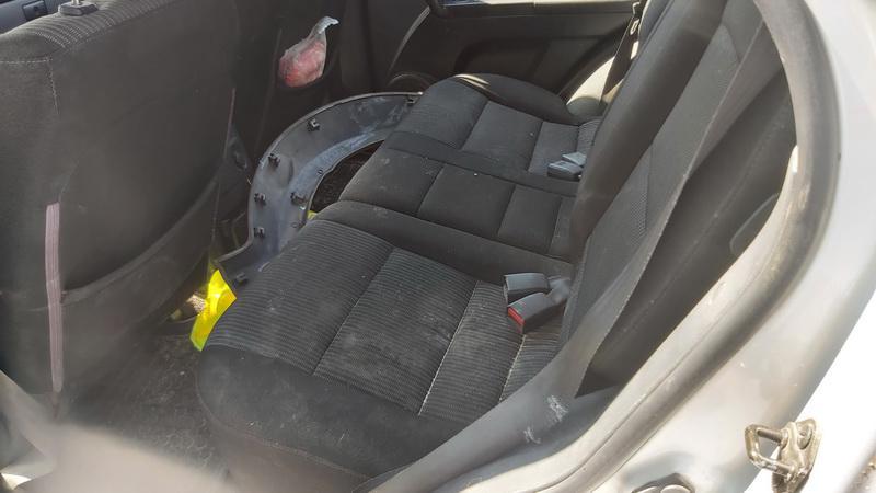 Naudotos automobiliu dallys Foto 7 Kia SORENTO 2006 2.5 Mechaninė Visureigis 4/5 d. Pilka 2021-7-20 A6430
