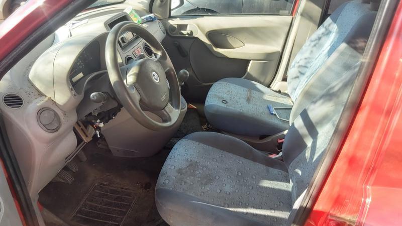 Подержанные Автозапчасти Foto 4 Fiat PANDA 2006 1.1 машиностроение хэтчбэк 4/5 d. красный 2021-5-01 A6190