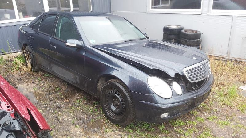 Подержанные Автозапчасти Foto 1 Mercedes-Benz E-CLASS 2002 2.2 машиностроение седан 4/5 d. синий 2021-5-03 A6193