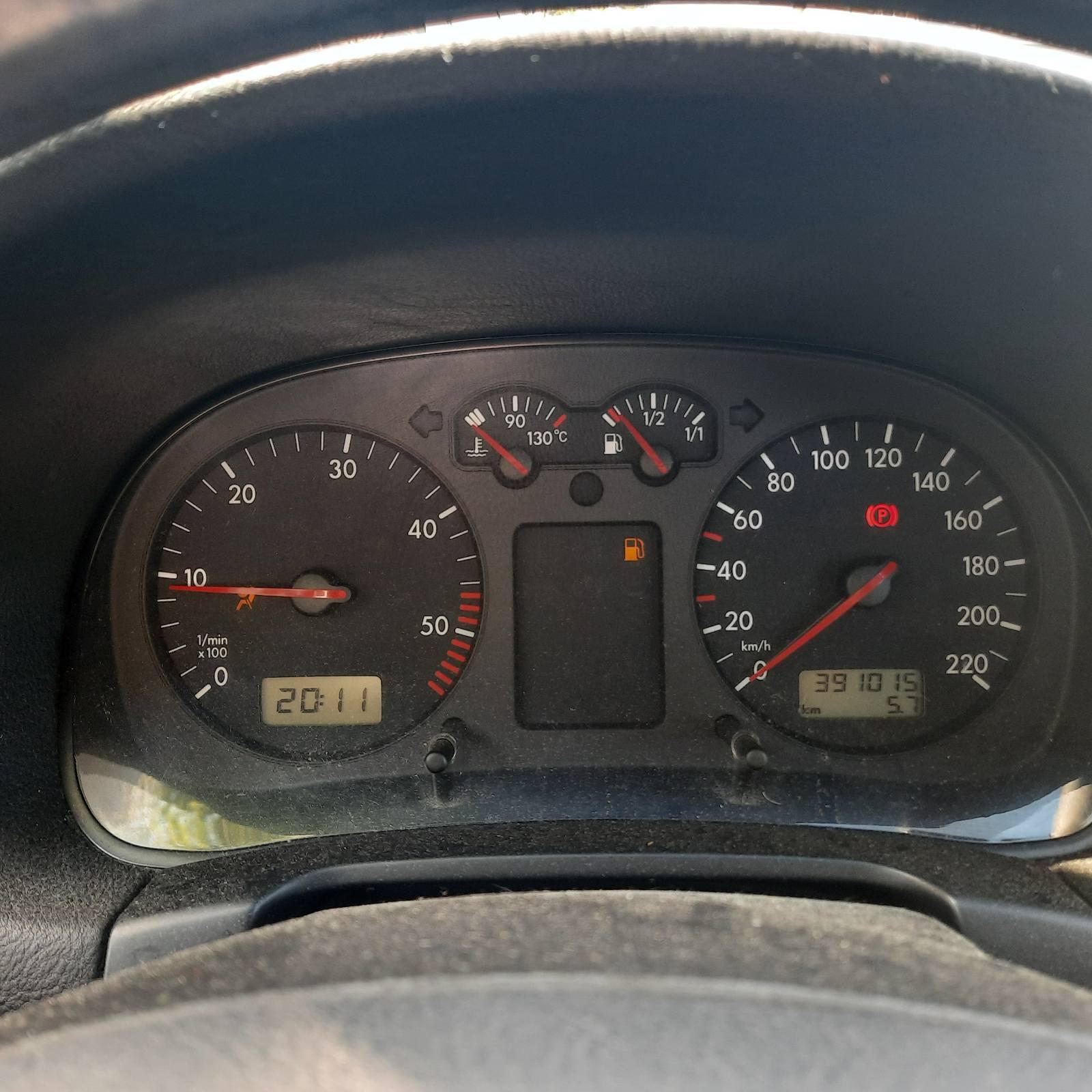 Naudotos automobiliu dallys Foto 6 Volkswagen GOLF 1998 1.9 Mechaninė Hečbekas 4/5 d. Raudona 2021-6-10 A6297