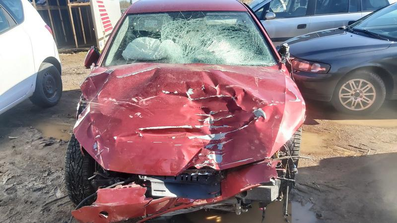 Used Car Parts Foto 3 Volkswagen GOLF 2013 1.2 Automatic Hatchback 4/5 d. Red 2021-5-01 A6191