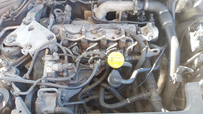 Used Car Parts Foto 2 Renault LAGUNA 2002 1.9 Mechanical Hatchback 4/5 d. Black 2021-5-01 A6189
