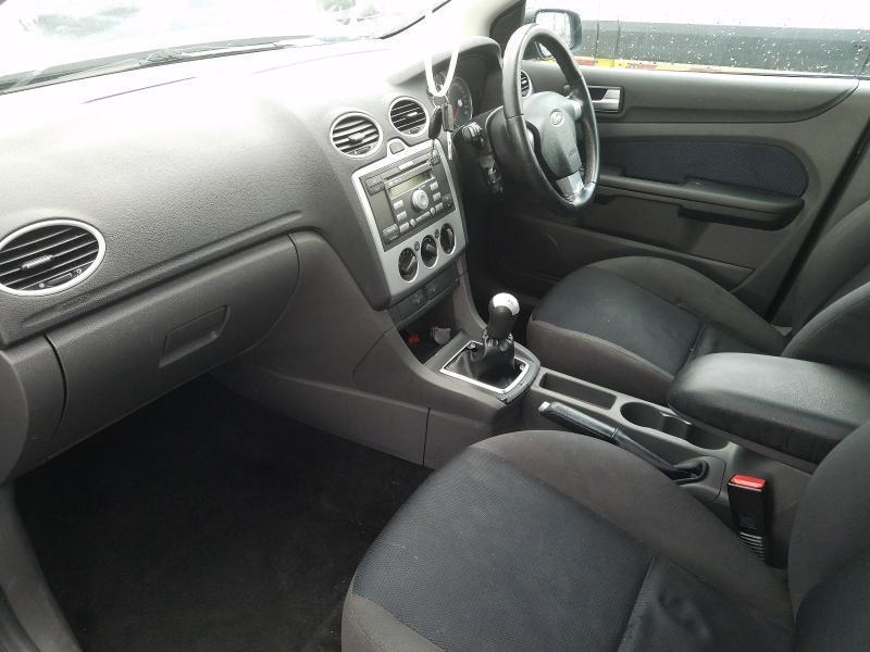 Naudotos automobiliu dallys Foto 5 Ford FOCUS 2005 1.6 Mechaninė Hečbekas 4/5 d. Juoda 2021-1-11 A6020