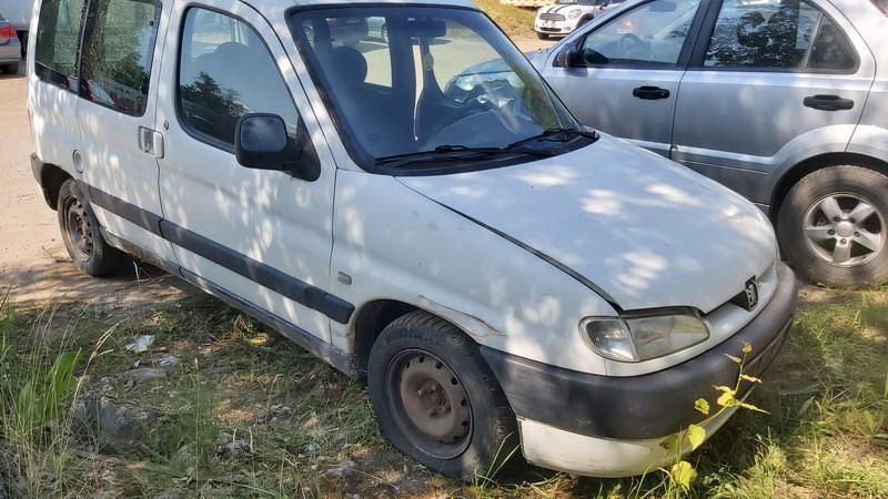 Naudotos automobiliu dallys Foto 1 Peugeot PARTNER 2001 1.9 Mechaninė Komercinis 2/3 d. Balta 2021-7-20 A6431