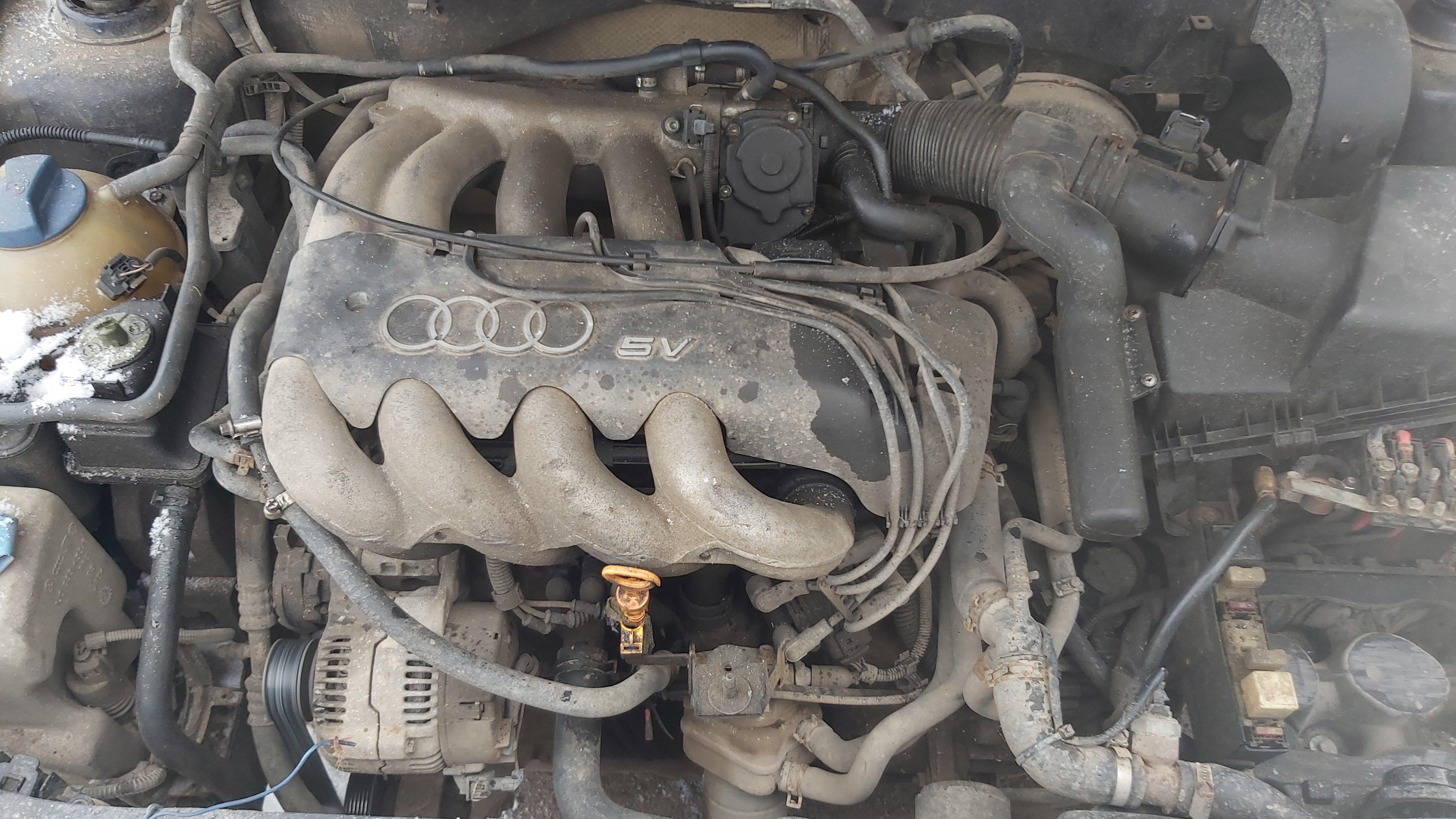 Naudotos automobiliu dallys Foto 7 Audi A3 1999 1.8 Mechaninė Hečbekas 2/3 d. Melyna 2021-1-12 A6028