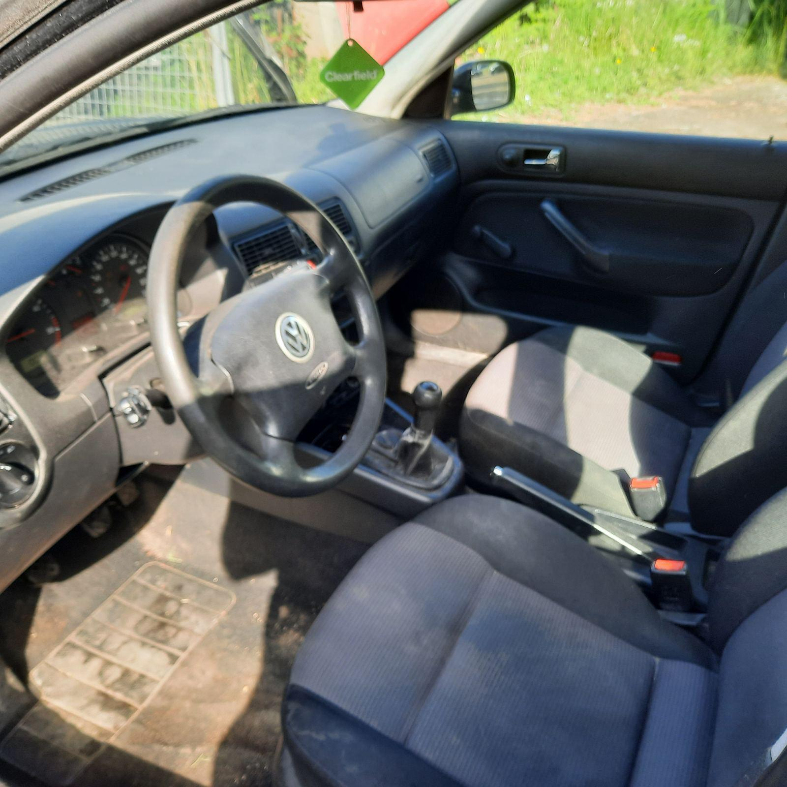 Naudotos automobiliu dallys Foto 7 Volkswagen GOLF 2001 1.9 Mechaninė Hečbekas 4/5 d. Juoda 2021-6-08 A6291