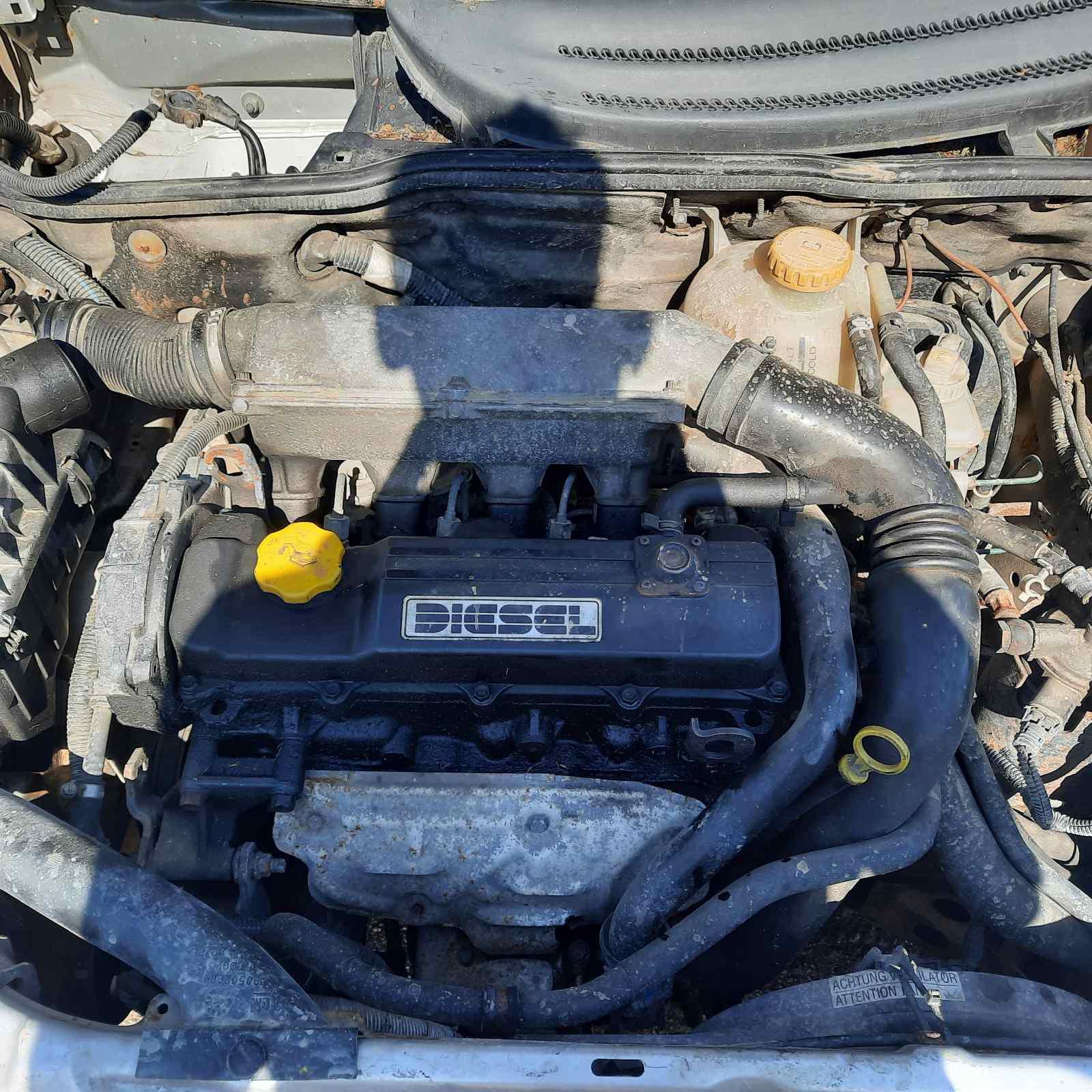 Naudotos automobiliu dallys Foto 3 Opel CORSA 1999 1.5 Mechaninė Hečbekas 2/3 d. Pilka 2021-6-11 A6301