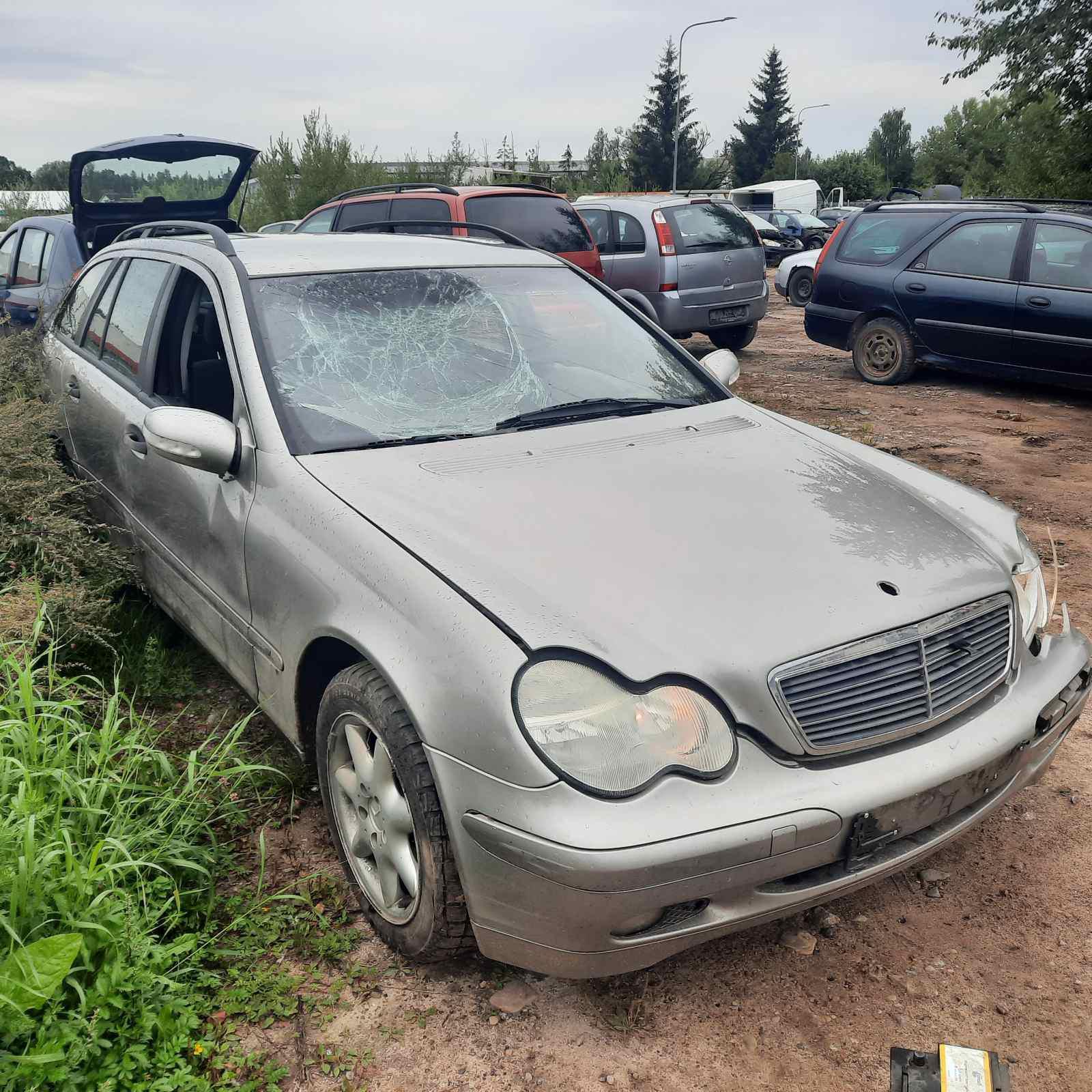 Naudotos automobilio dalys Mercedes-Benz C-CLASS 2003 2.2 Mechaninė Universalas 4/5 d. Pilka 2021-8-26