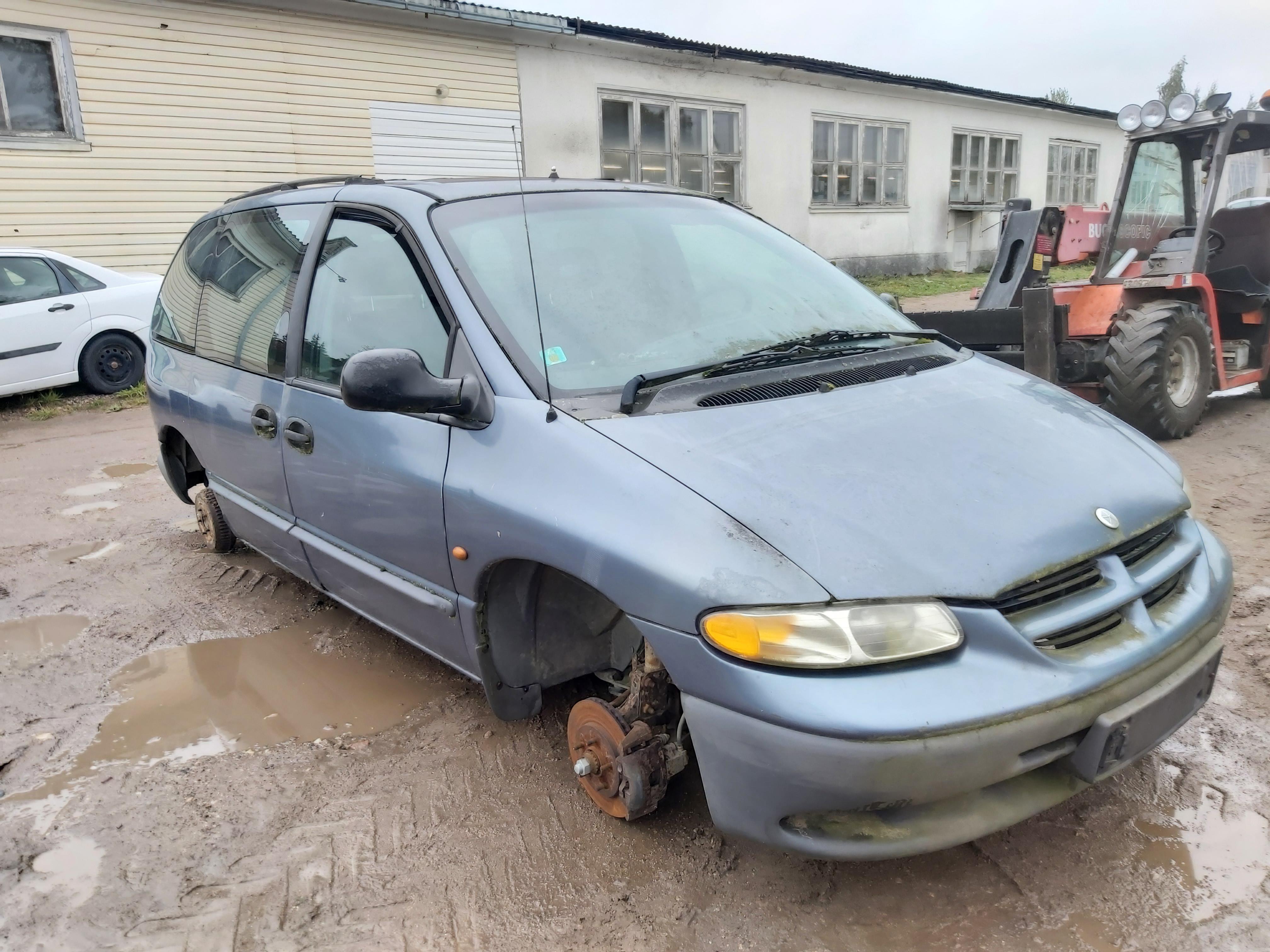 Naudotos automobilio dalys Chrysler VOYAGER 1998 2.5 Mechaninė Vienatūris 4/5 d. Melyna 2021-9-20