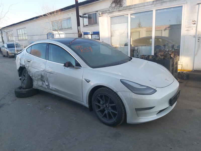 Naudotos automobilio dalys Tesla MODEL 3 2020 0.0 Automatinė Sedanas 4/5 d. Balta 2020-12-07