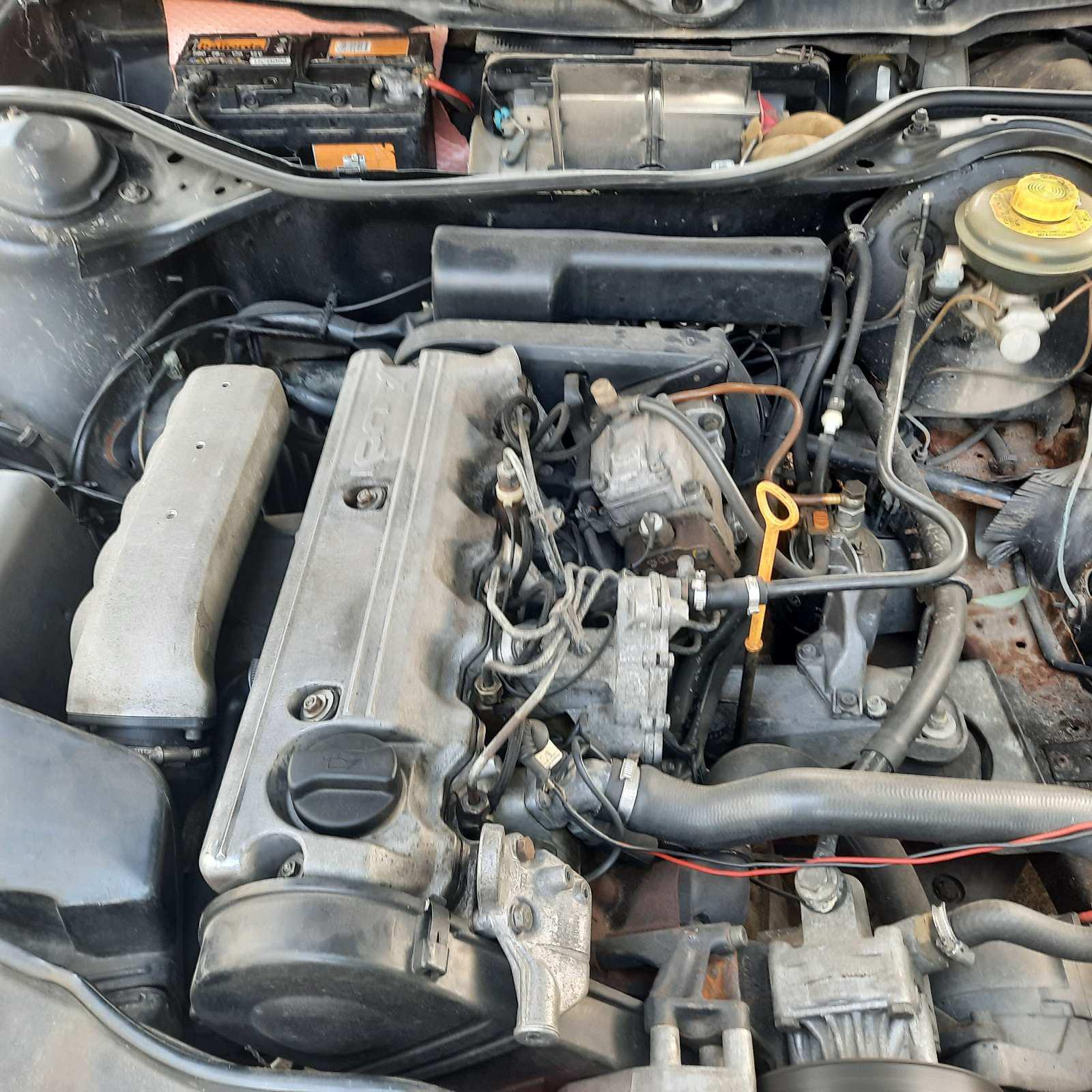 Naudotos automobiliu dallys Foto 3 Audi 100 1991 2.5 Mechaninė Sedanas 4/5 d. Juoda 2021-7-19 A6426