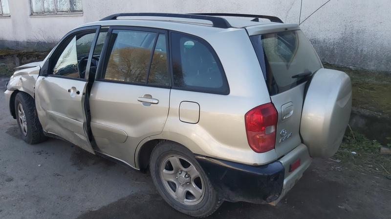 Naudotos automobiliu dallys Foto 9 Toyota RAV-4 2002 2.0 Mechaninė Visureigis 4/5 d. Ruda 2021-5-01 A6186