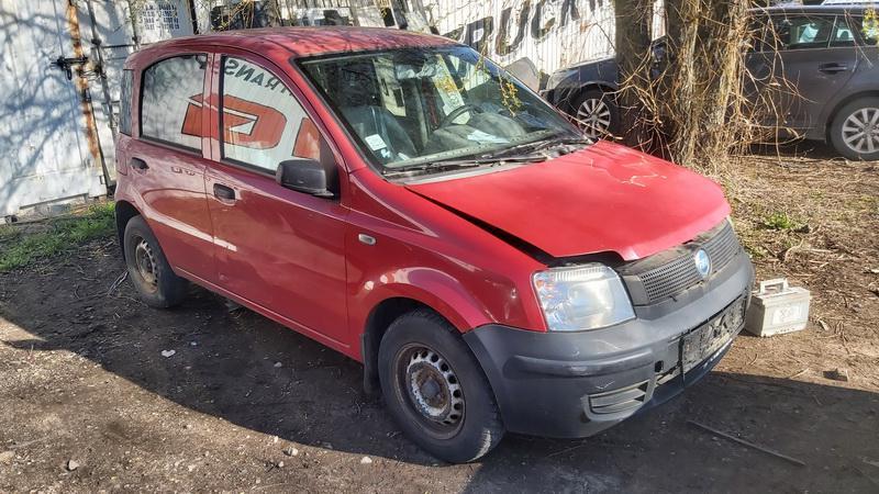 Подержанные Автозапчасти Foto 1 Fiat PANDA 2006 1.1 машиностроение хэтчбэк 4/5 d. красный 2021-5-01 A6190