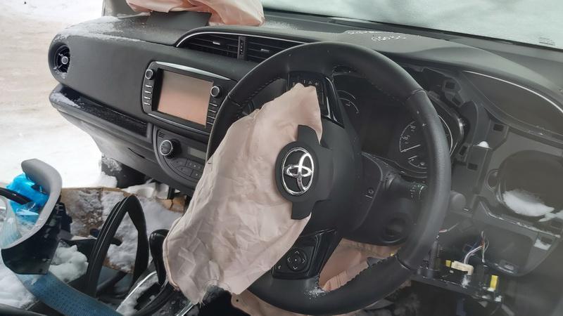 Naudotos automobiliu dallys Foto 5 Toyota YARIS 2018 1.5 Automatinė Hečbekas 4/5 d. Sidabrine 2021-1-20 A6035