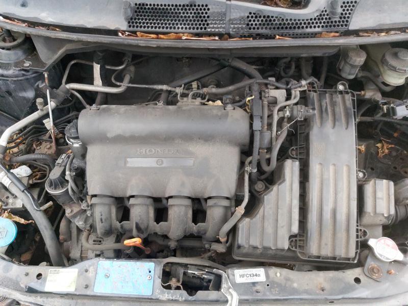Подержанные Автозапчасти Foto 2 Honda JAZZ 2002 1.4 машиностроение хэтчбэк 4/5 d. черный 2020-11-21 A5843