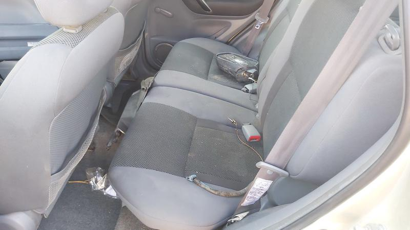 Naudotos automobiliu dallys Foto 6 Toyota RAV-4 2002 2.0 Mechaninė Visureigis 4/5 d. Ruda 2021-5-01 A6186