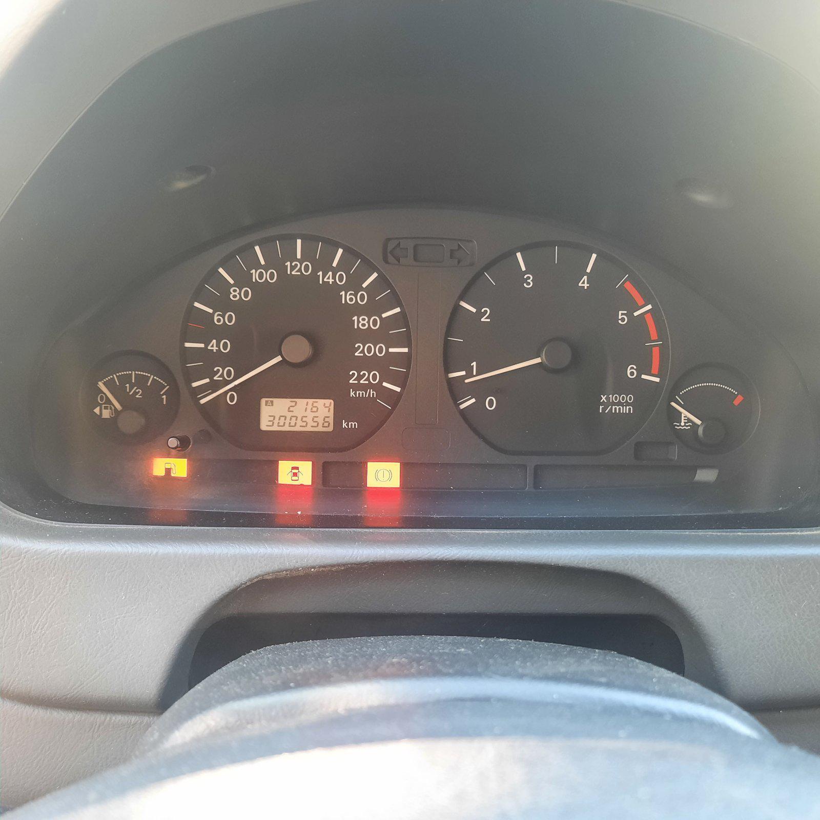 Naudotos automobilio dalys Mitsubishi SPACE STAR 2002 1.9 Mechaninė Vienatūris 4/5 d. Pilka 2021-8-12