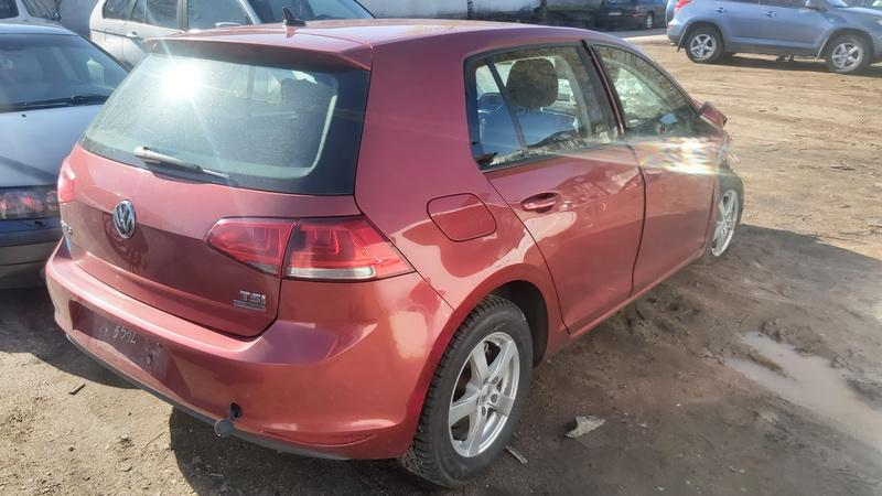 Used Car Parts Foto 8 Volkswagen GOLF 2013 1.2 Automatic Hatchback 4/5 d. Red 2021-5-01 A6191