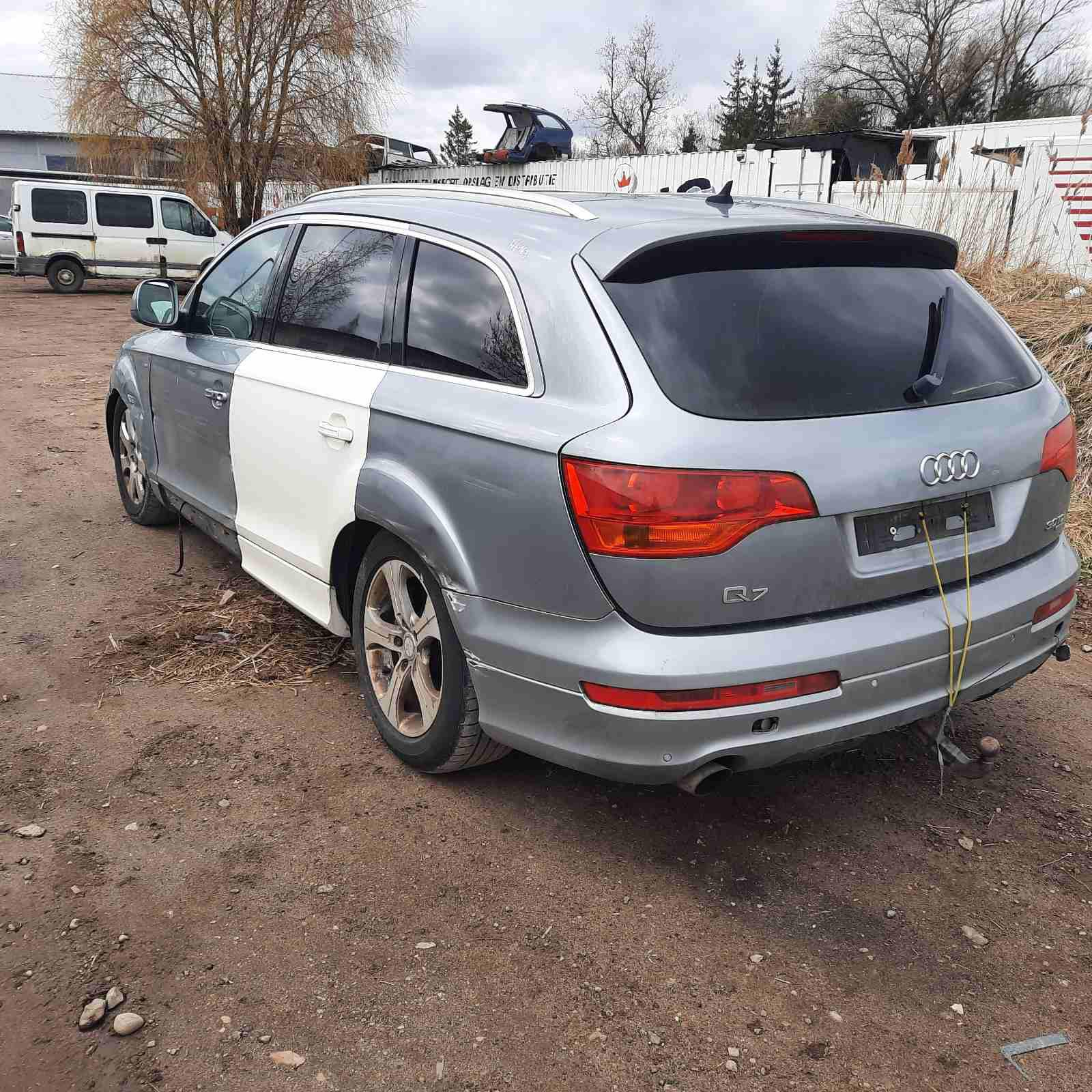Naudotos automobiliu dallys Foto 9 Audi Q7 2007 3.0 Automatinė Visureigis 4/5 d. Pilka 2021-4-26 A6163