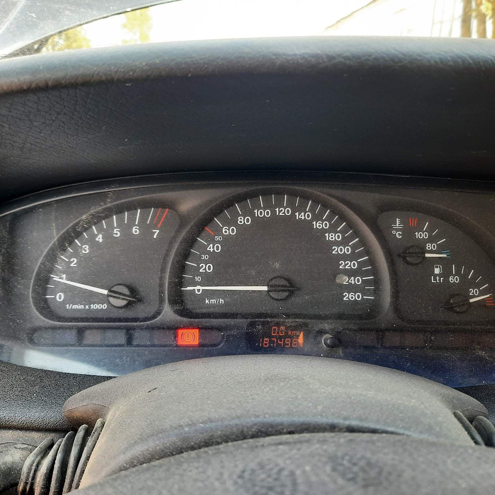 Naudotos automobilio dalys Opel VECTRA 1997 2.0 Mechaninė Universalas 4/5 d. Juoda 2021-9-11