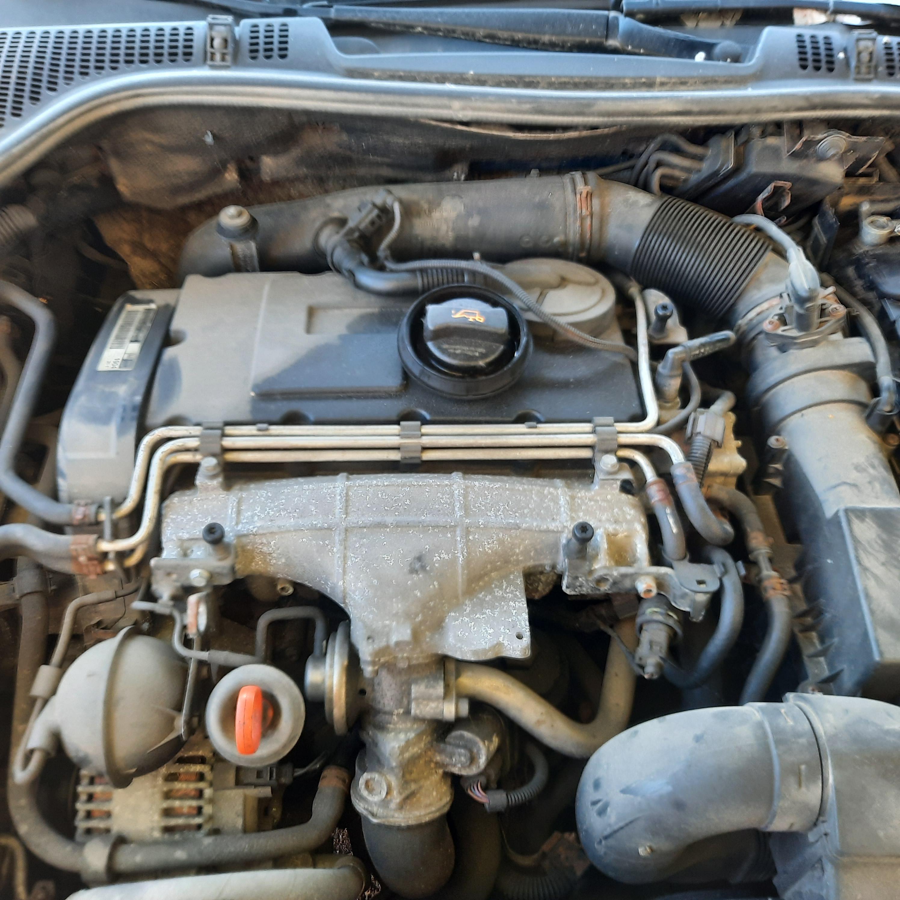 Naudotos automobiliu dallys Foto 8 Skoda OCTAVIA 2007 2.0 Mechaninė Universalas 4/5 d. Melyna 2021-9-15 A6655