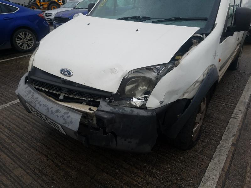Used Car Parts Foto 8 Ford TRANSIT CONNECT 2005 1.8 Mechanical Commercial 2/3 d. white 2021-1-12 A6025