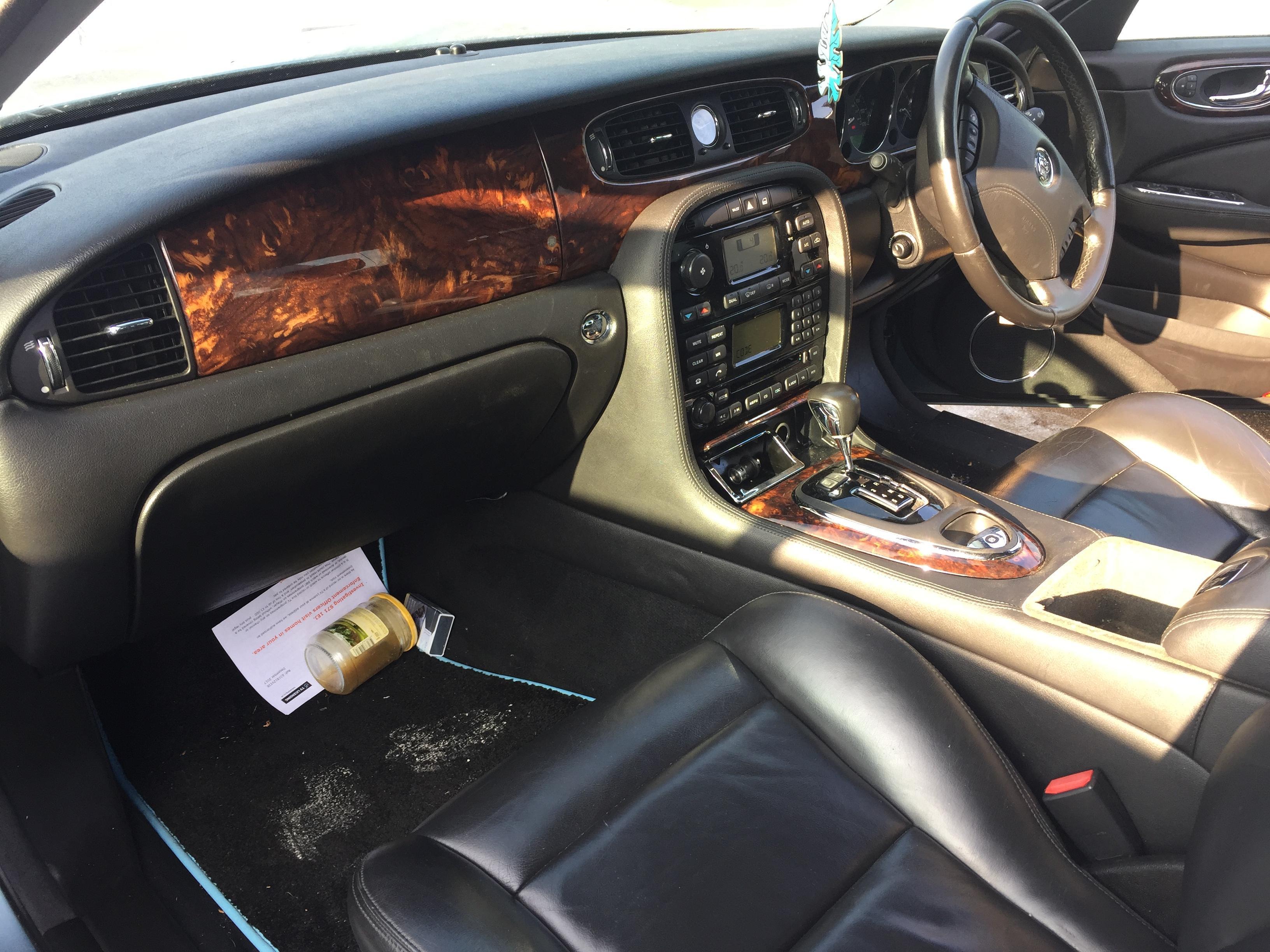 Naudotos automobilio dalys Jaguar XJ 2006 4.2 Automatinė Sedanas 4/5 d. Balta 2020-10-22