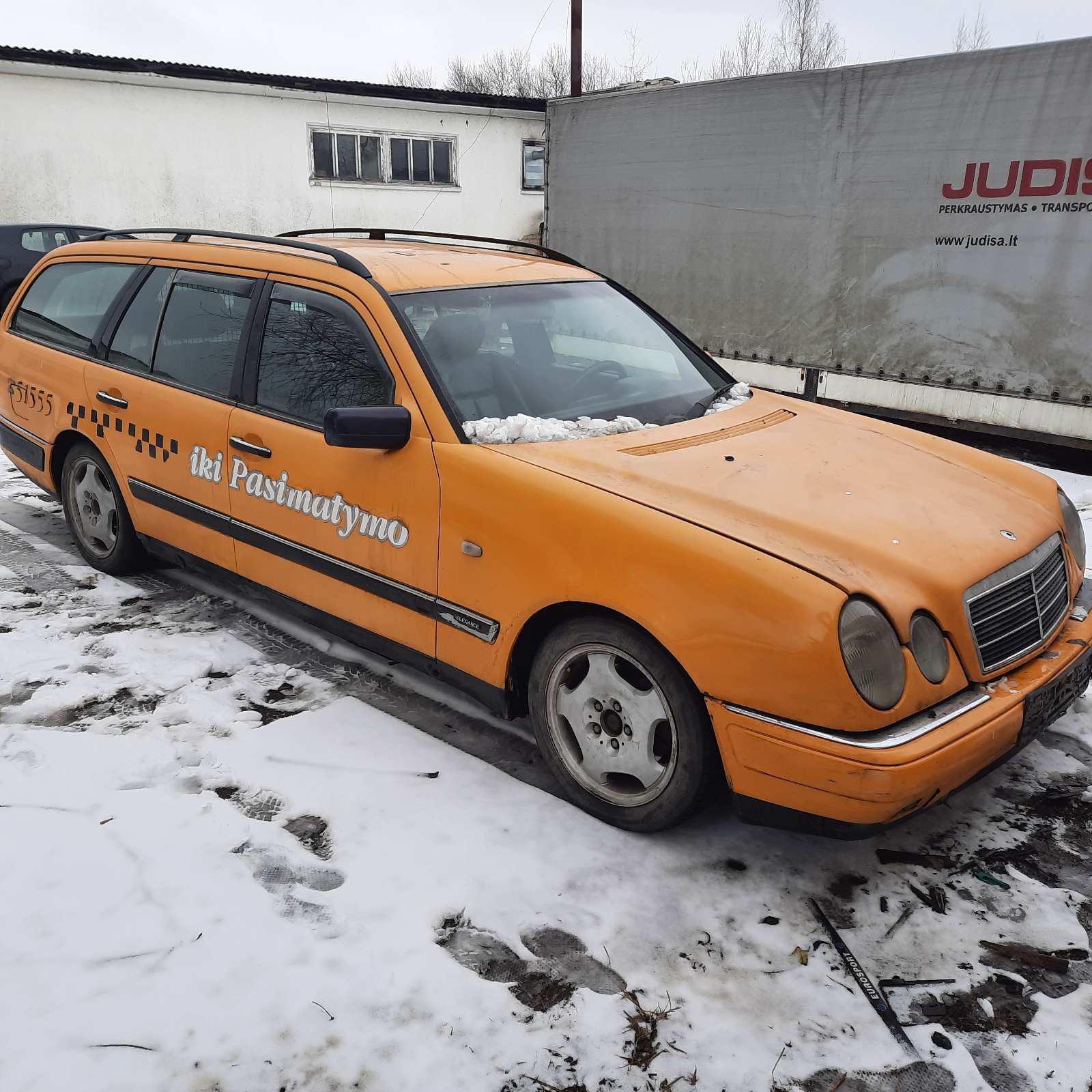 Naudotos automobilio dalys Mercedes-Benz E-CLASS 1997 2.0 Mechaninė Universalas 4/5 d. Geltona 2021-3-08