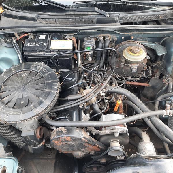 Naudotos automobilio dalys Audi 80 1987 1.8 Mechaninė Sedanas 4/5 d. Melyna 2021-9-16