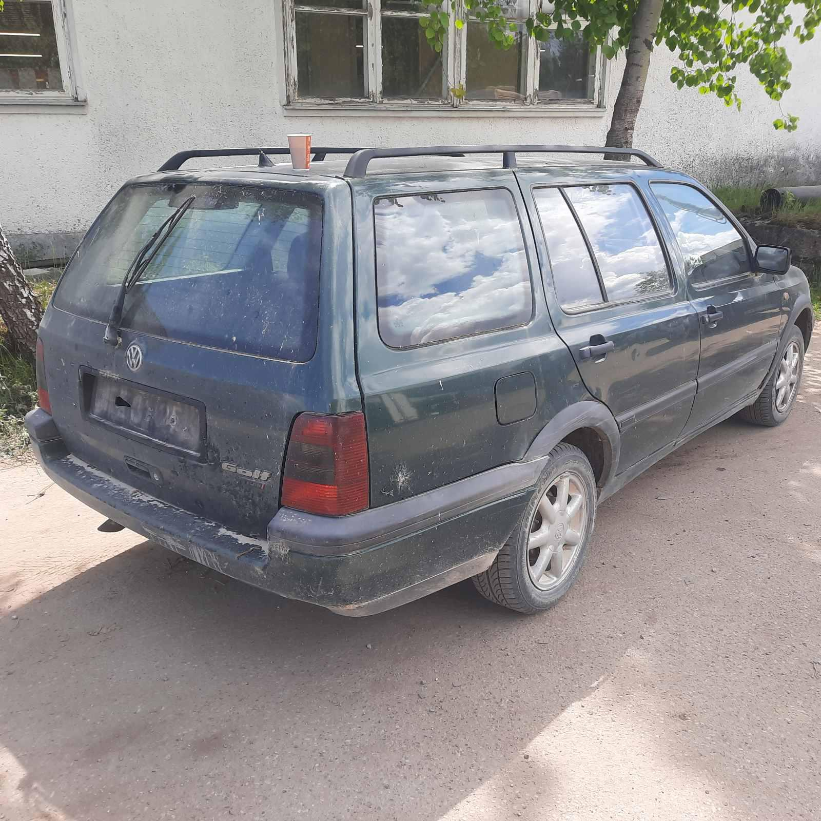 Naudotos automobiliu dallys Foto 5 Volkswagen GOLF 1996 1.9 Mechaninė Universalas 4/5 d. Zalia 2021-6-05 A6283