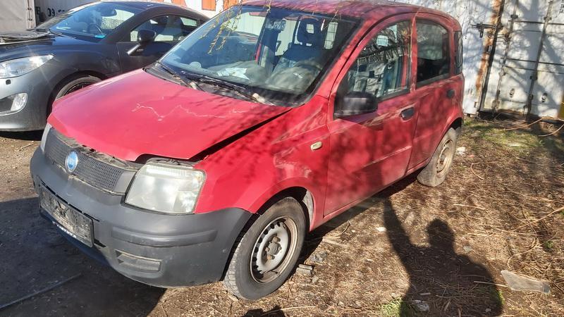 Подержанные Автозапчасти Foto 2 Fiat PANDA 2006 1.1 машиностроение хэтчбэк 4/5 d. красный 2021-5-01 A6190