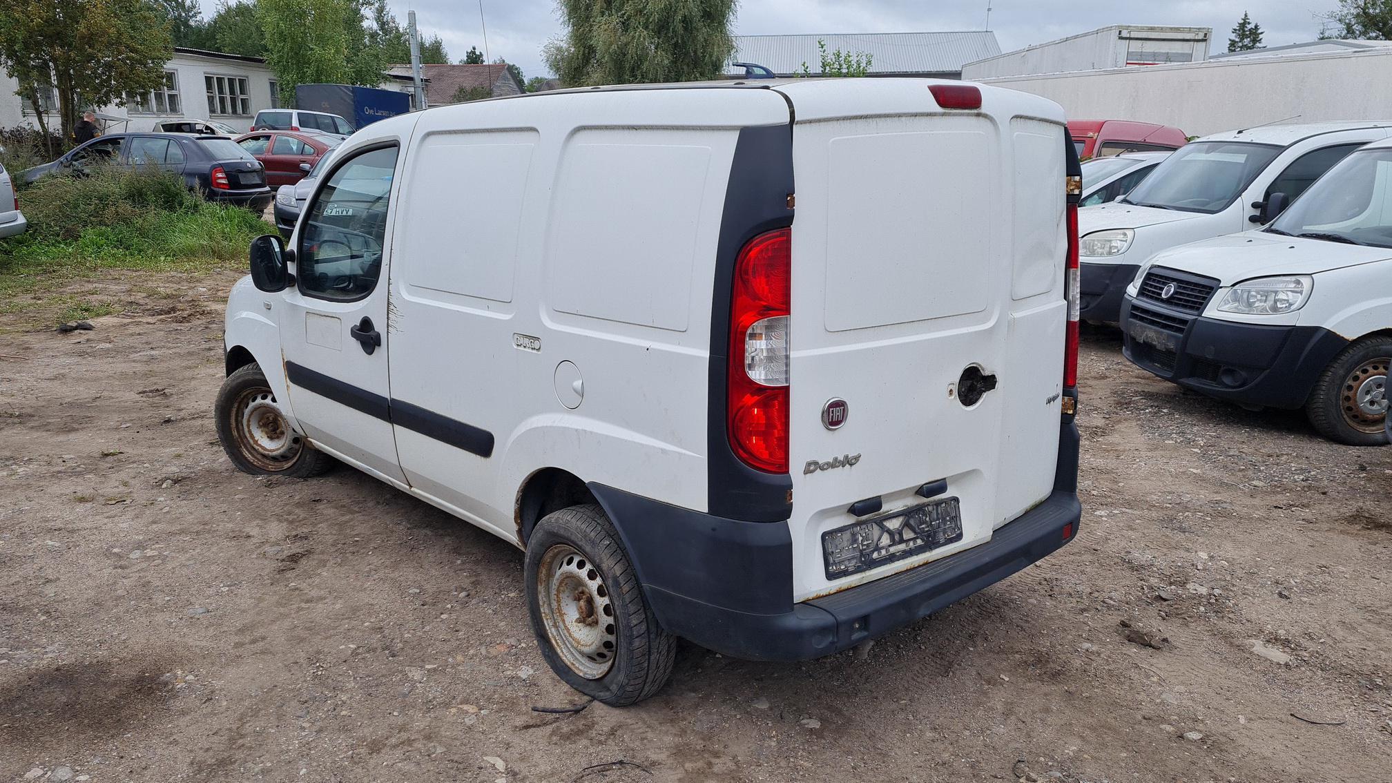 Naudotos automobilio dalys Fiat DOBLO 2007 1.3 Mechaninė Komercinis 2/3 d. Balta 2021-9-03