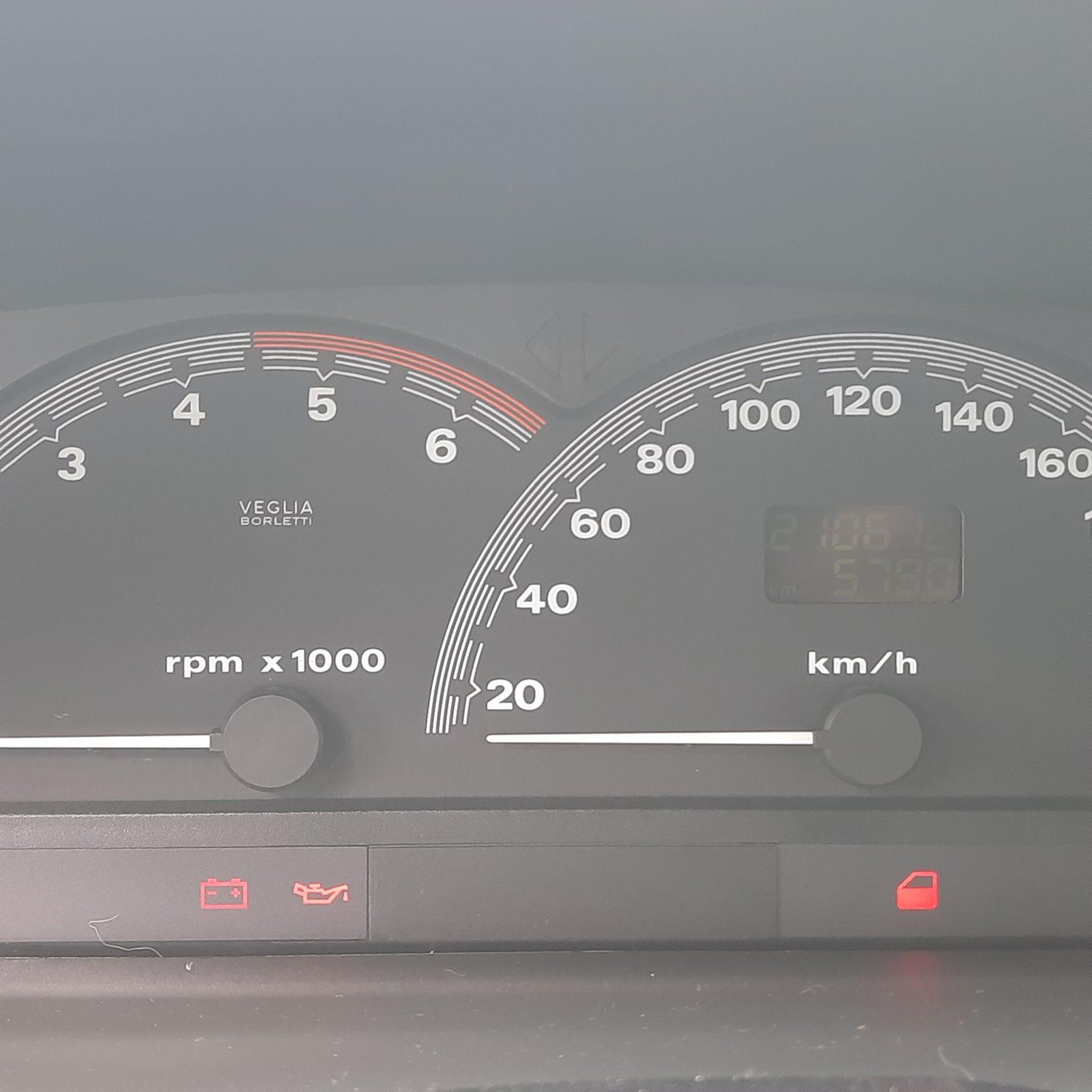 Naudotos automobiliu dallys Foto 4 Fiat BRAVA 1996 1.9 Mechaninė Hečbekas 4/5 d. Geltona 2021-4-07 A6134