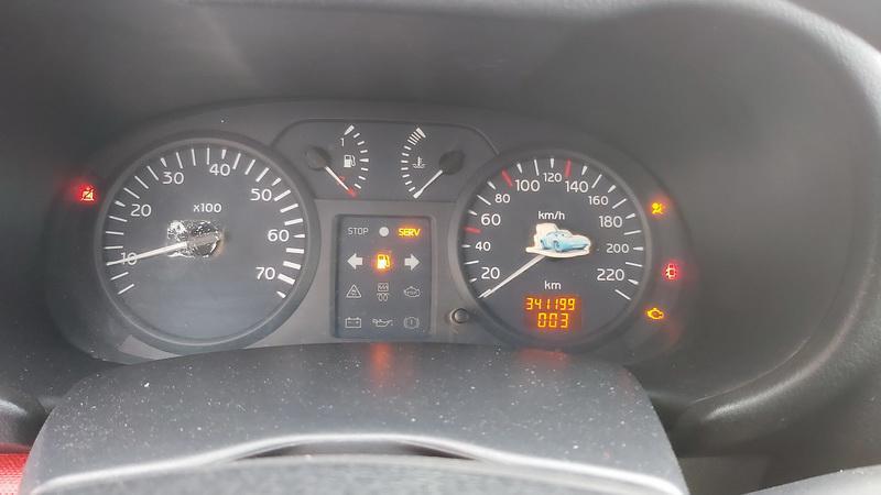 Подержанные Автозапчасти Renault CLIO 2002 1.2 машиностроение хэтчбэк 2/3 d. красный 2021-1-22